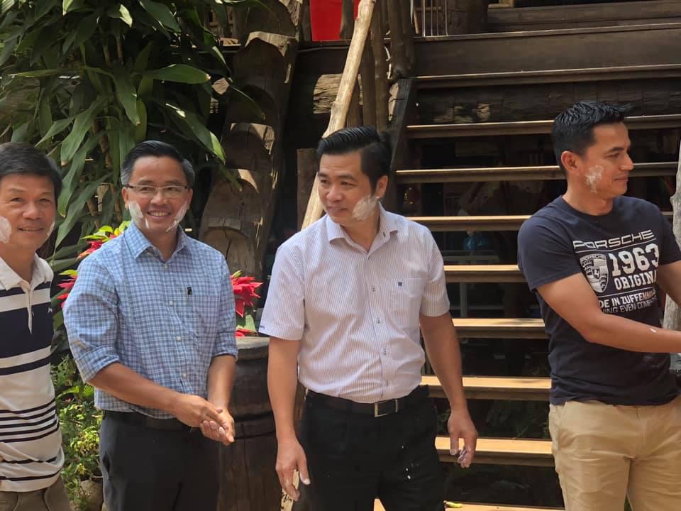 HLV Kiatisuk đón Tết cổ truyền Thái Lan, chờ quyết đấu Hà Nội