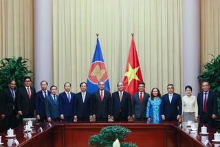 Chủ tịch nước Nguyễn Xuân Phúc tiếp Đại sứ, Đại biện các nước ASEAN
