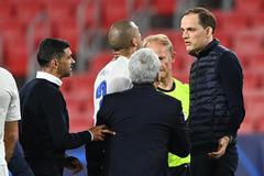 HLV trưởng Chelsea bị tố xúc phạm đồng nghiệp