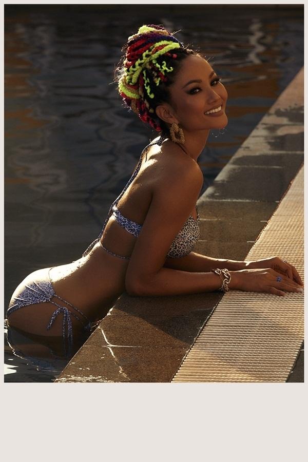 H'Hen Niê bất ngờ tung bộ ảnh bikini nóng bỏng