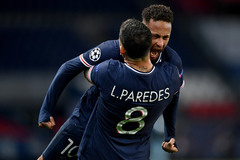PSG vào bán kết C1: Điệu samba mê hoặc của Neymar