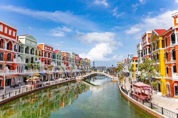 Tiềm năng du lịch bán lẻ ở 'thành phố không ngủ' của Việt Nam