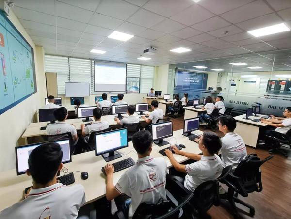 digital transformation,PTIT,app,Vietnam education