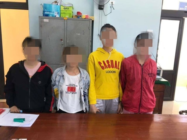 8 thiếu nữ bị đánh, chích điện ép bán dâm trong quán karaoke