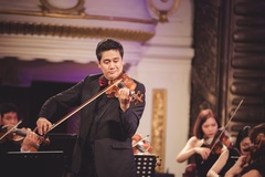 NSƯT Bùi Công Duy lần đầu diễn độc tấu cùng hai dàn nhạc giao hưởng