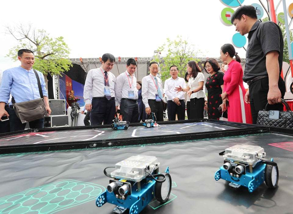 Khai mạc ngày hội công nghệ thông tin ngành giáo dục Hà Nội