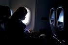 Cách giảm mạnh lây nhiễm Covid-19 trên máy bay