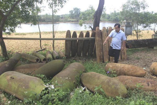 Quang Tri men spend millions to collect ordnance scraps