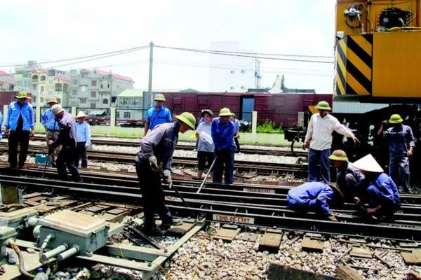 Công ty đường sắt mượn xe, sổ đỏ nhân viên để vay ngân hàng