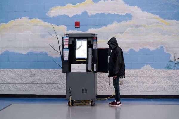 Hơn 100 công ty ký thư phản đối dự luật hạn chế bầu cử ở Mỹ