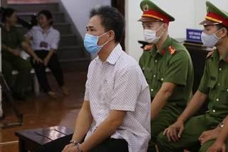 Nguyên chuyên viên Văn phòng UBND TP.HCM lãnh án tù vì xúc phạm lãnh đạo