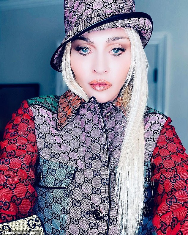 Không nhận ra ca sĩ Madonna ở tuổi 63