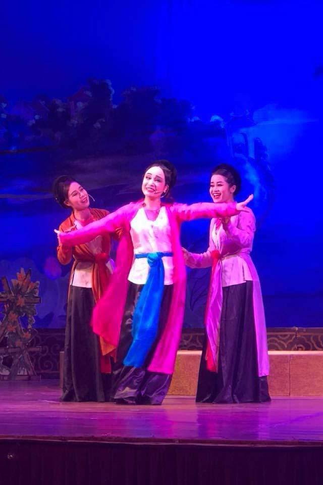 Cuộc sống hiện tại của 'Thị Mầu' Thu Huyền bên ca sĩ Tấn Minh