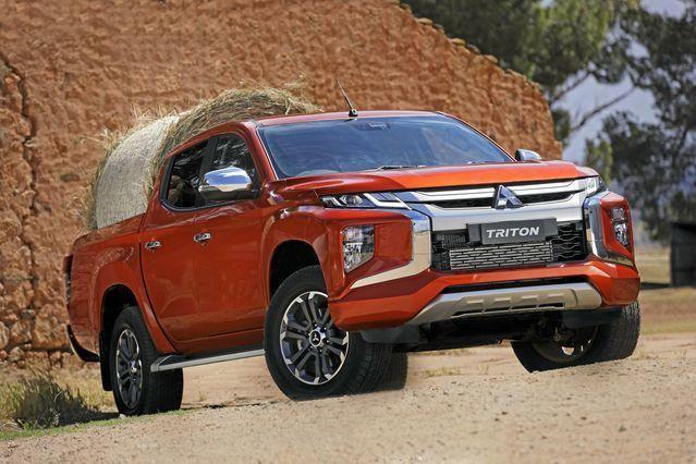 Xe bán tải tháng 3/2021: Ford Ranger chiếm gần 75% tổng doanh số