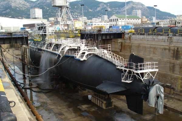 Hành trình 'hồi sinh' tàu ngầm Pháp từ 2 mảnh tàu ngầm khác nhau
