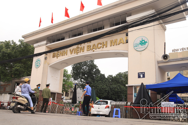 Bach Mai Hospital faces mass resignation of staff