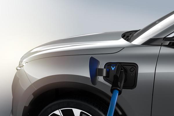 Chuyên gia giải thích lí do ô tô điện thân thiện với môi trường hơn xe xăng