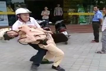 Tài xế đấm chảy máu mặt 2 CSGT ở Bắc Giang