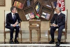 Ngoại trưởng Mỹ bất ngờ tới thăm Afghanistan