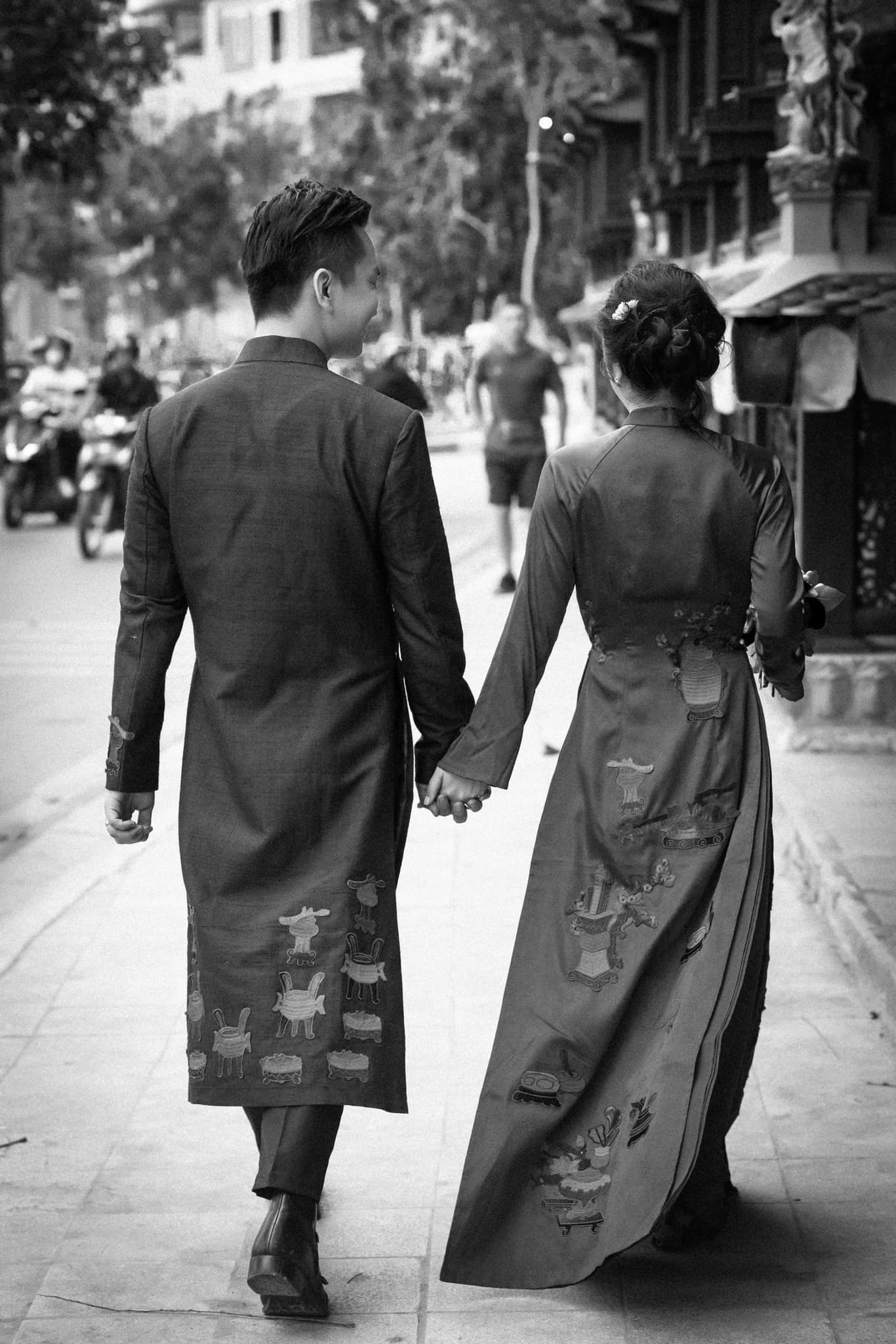 mc hanh phuc 3 MC Hạnh Phúc lần đầu đăng ảnh cưới sau hơn 1 năm kết hôn