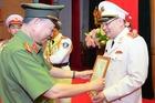 Chánh văn phòng Bộ Công an Tô Ân Xô được thăng cấp bậc hàm