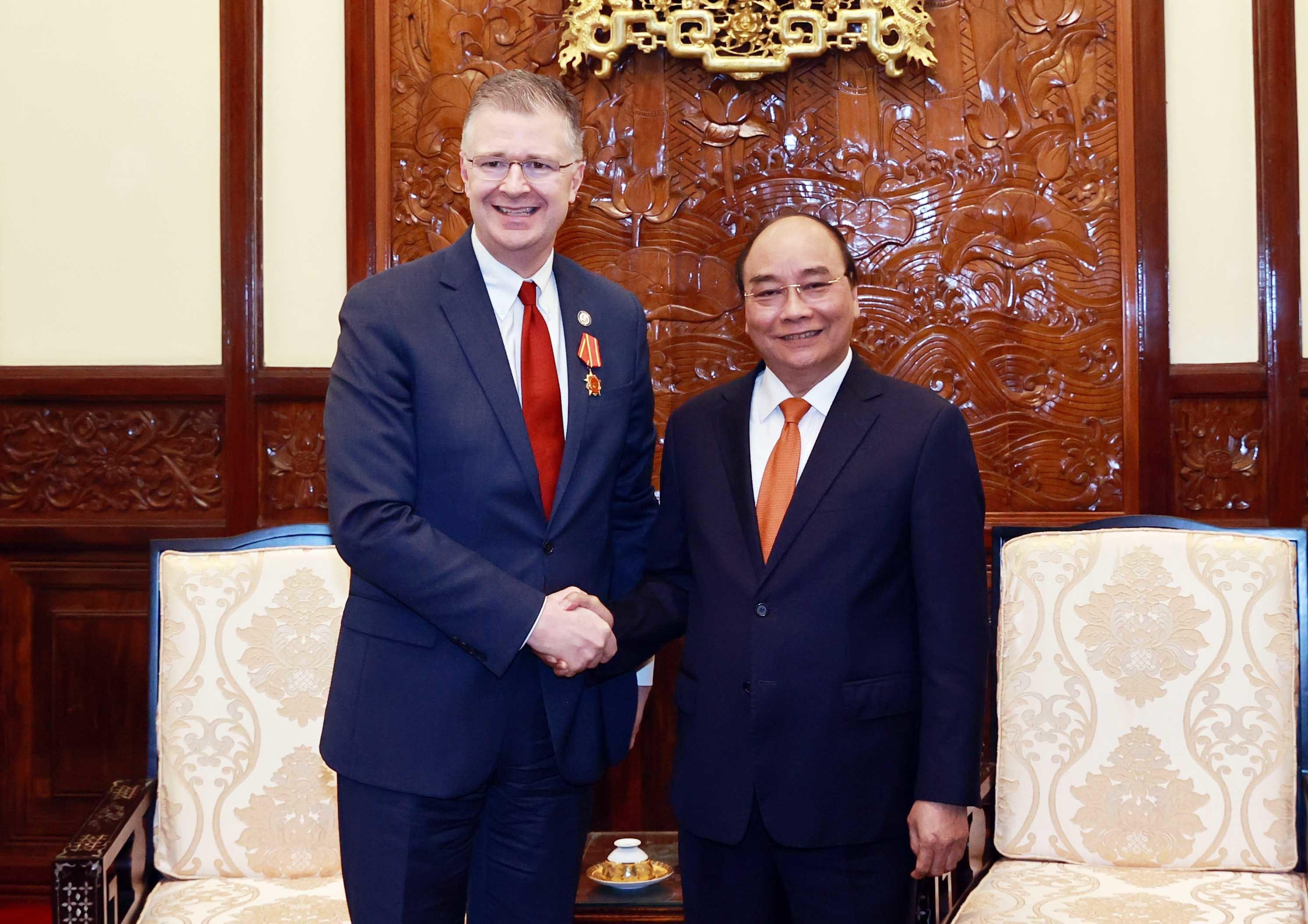 Đại sứ Mỹ gặp Chủ tịch nước Nguyễn Xuân Phúc chào từ biệt
