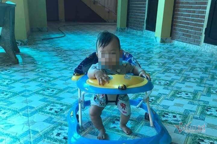 Mẹ đưa con gái 3 tháng tuổi gửi chùa rồi biệt tăm