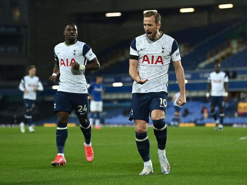 Harry Kane lập cú đúp, Tottenham rượt đuổi nghẹt thở Everton