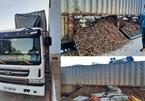 """Bí mật bên trong xe chở dăm gỗ chuẩn bị """"lọt"""" cửa khẩu sang Lào"""