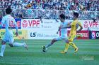 Xuân Trường 'nã đại bác' đẹp nhất vòng 10 V-League