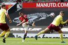 MU 0-0 Burnley: Sức ép khủng khiếp (H1)