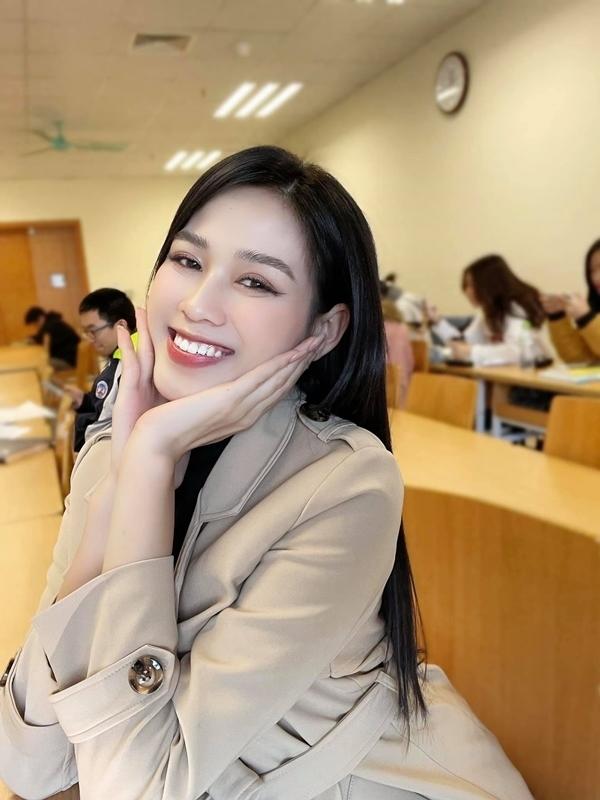 Hoa hậu Đỗ Thị Hà ngày càng gợi cảm