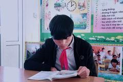 'Cậu học trò' 21 tuổi học lớp 5 ở Nghệ An