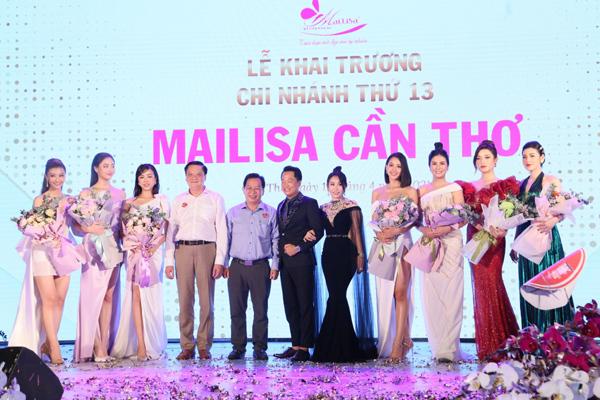 Dàn Hoa hậu Á Hậu cùng siêu xe lần đầu xuất hiện tại Cần Thơ