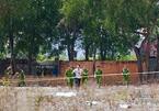 Thực nghiệm hiện trường vụ bé gái 5 tuổi bị hiếp dâm, sát hại ở bãi đất