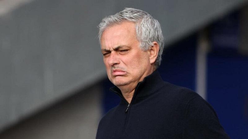 MU ký Dembele giá rẻ, Mourinho sắp dẫn dắt Wolves