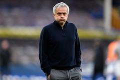 Mourinho bị sa thải: Lỗi thời và độc đoán