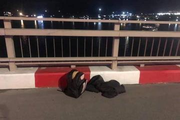 9X nhảy cầu Bãi Cháy được thuyền viên cứu sống hi hữu