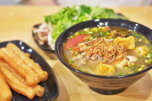 Hanoi-style crab noodle soup