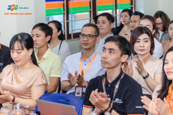 Hội thảo 'Cùng con đối diện cơn gió ngược' tại Phổ thông Cao đẳng FPT Polytechic Toàn quốc