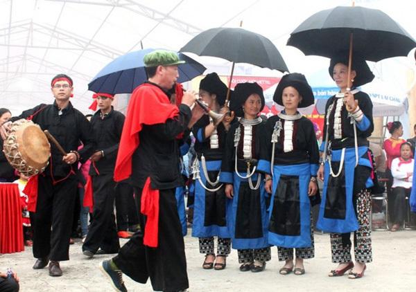 Lai Chau,clarinet of the Dao Khau