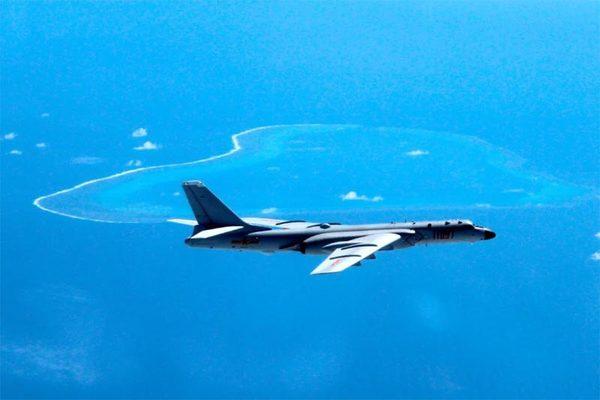 Trung Quốc diễn tập không kích sau tuyên bố chung Mỹ - Nhật về Đài Loan
