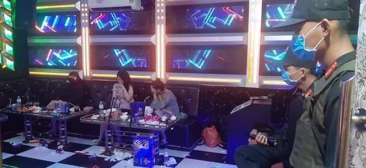 Hàng chục nam nữ thanh niên 'phê' ma túy trong quán karaoke