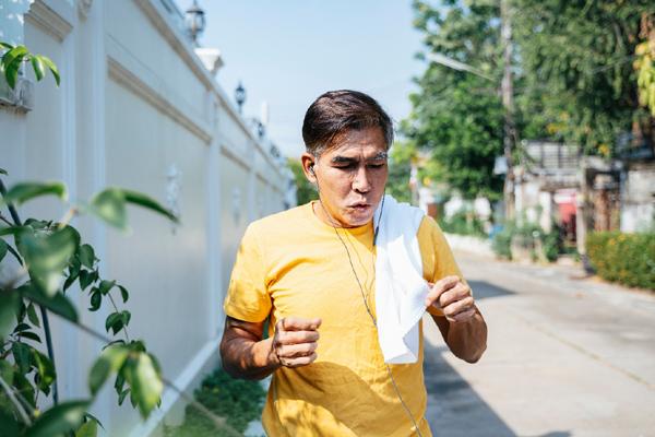 Mỡ máu cao tuổi 50: Cảnh báo đột quỵ mùa nắng nóng