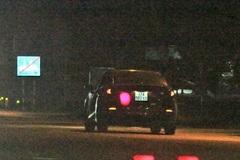 Tài xế ô tô vi phạm tông gãy chân CSGT ở Nghệ An rồi bỏ chạy