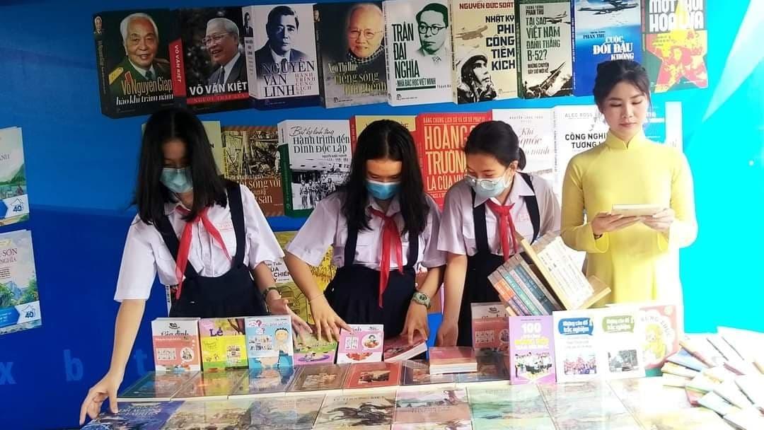 'Đến khi trở thành thanh niên mới đọc thì đã quá muộn'
