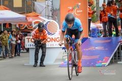 Giải xe đạp TH TPHCM 2021: Loic Desriac 'xé' áo vàng
