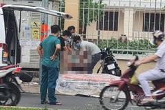 Lao xe máy lên vỉa hè tông trụ điện, thanh niên tử vong