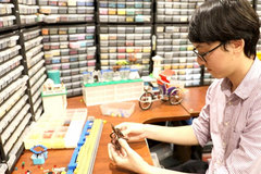 Vietnamese street scenes join the LEGO world