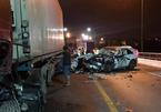 Tai nạn liên hoàn trên cầu Quán Hàu, ô tô con biến dạng, tài xế tử vong